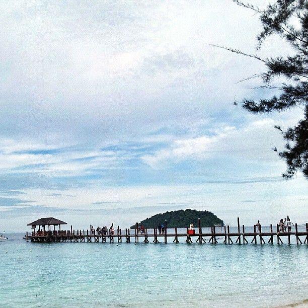 Manukan Island in Kota Kinabalu, Sabah Boat fees - RM23 tax - RM7 Rent Snorkeling gear - RM10 Safety jacket - RM10