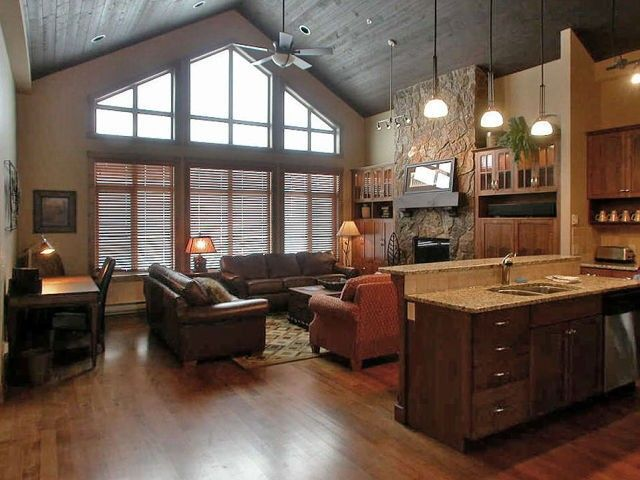 Grand Fireplace W Vaulted Ceilings Beams Open Floor: 1000+ Ideas About Cathedral Ceilings On Pinterest