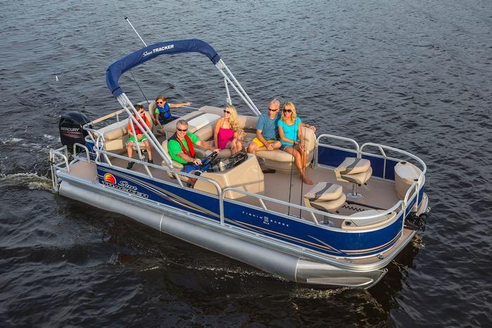 Sun tracker boats signature pontoons 2014 fishin barge for Fishing pontoon boats