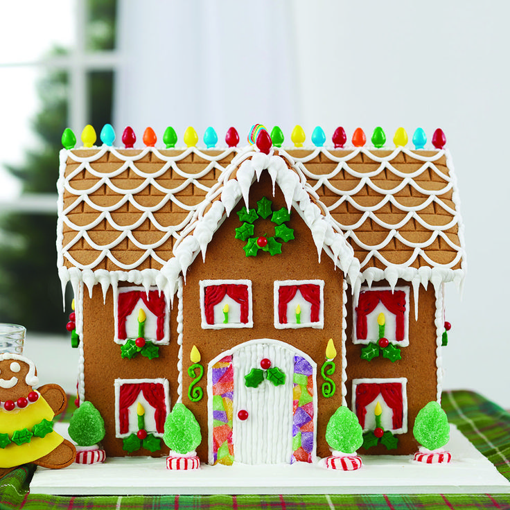 When your Gingerbread expectations are big ones, this estate-sized manor will fulfill your wishes.  Five types of candy, three colors of icing, yellow fondant and gingerbread kid cookies make this gingerbread kit experience the biggest and the best!