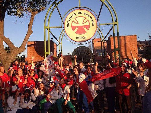 De norte a sur, nuestros profesionales apoyaron a la selección chilena de fútbol.