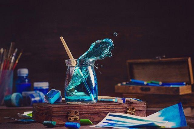 Ловкий трюк от мастера натюрмортной фотографии: как снимать брызги в студии