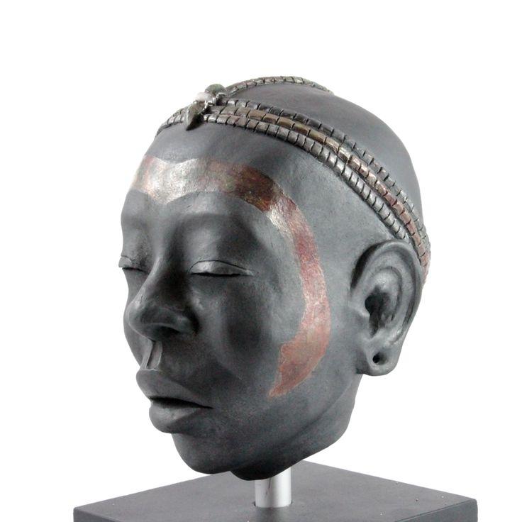 Testa di ragazza Masai. Mantaris.com