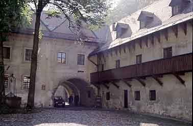 Innenhof des Klosters Cervený Klástor