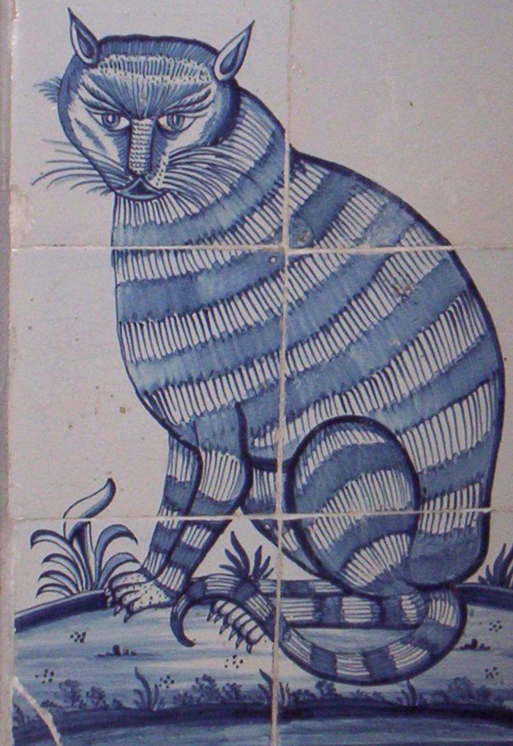 Delftware cat in the Provinciehuis at Haarlem moet ook nog op zoek naar de 'schel tegelkat.