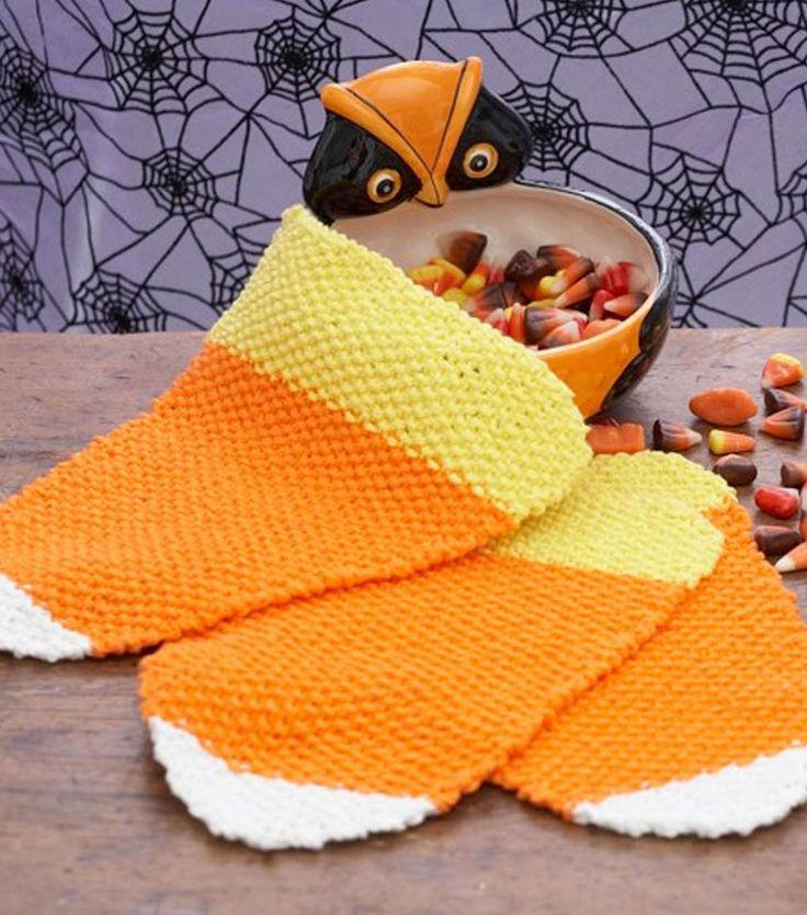 These candy corn dishcloths are so cute for Halloween!