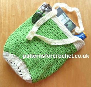 Free PDF crochet pattern for beach bag available in UK & USA formats http://www.patternsforcrochet.co.uk/beach-bag-usa.html #patternsforcrochet
