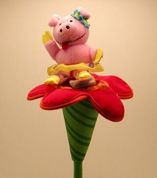 MANHATTAN TOY Piggy Flower (009049)