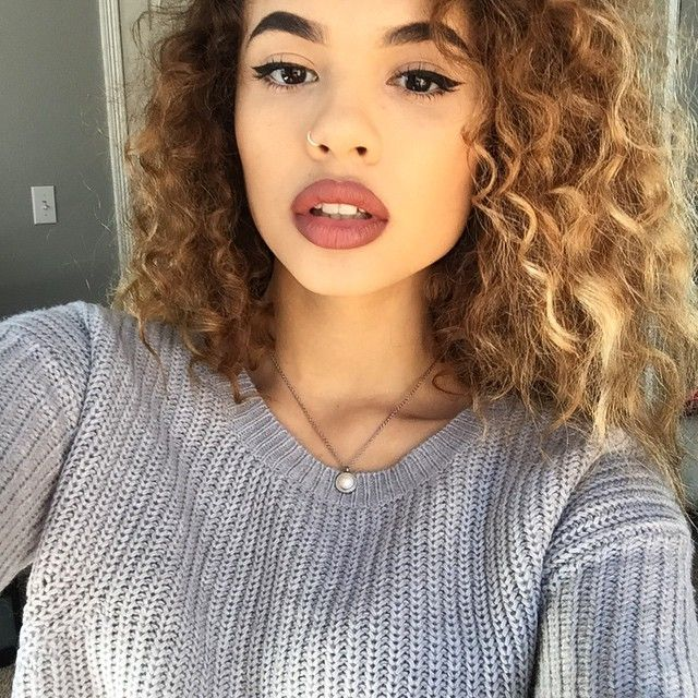 Curly Hair Of Girls Fashionistaswonderland Instagram