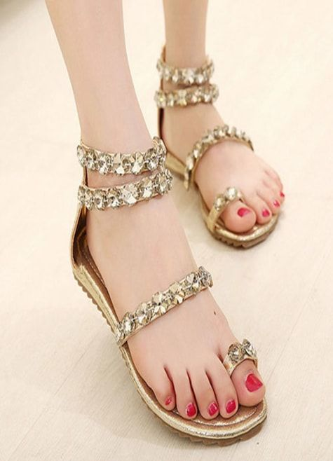 db5e7860e Fancy Golden Flat Sandals