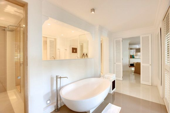 Honeymoon Suite LUX* Belle Mare Resort per le vostre vacanza a Mauritius con Press Tours Per informazioni:   http://goo.gl/mgVK37