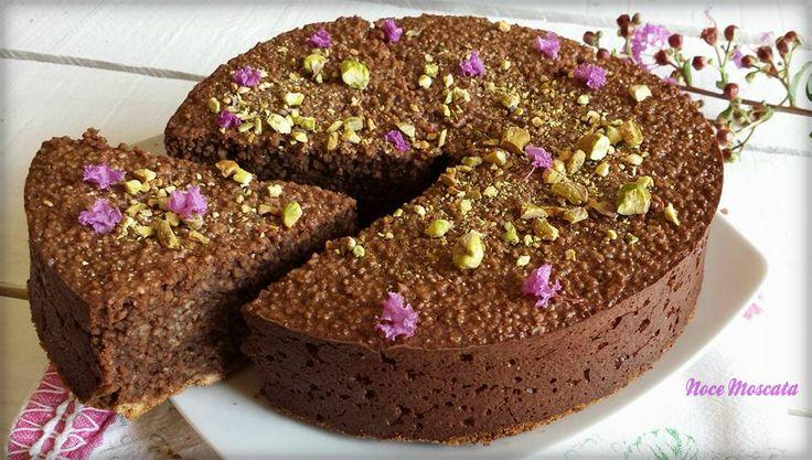 Una delle torte più buone che abbia mai mangiato, la Torta di couscous cioccolato e amaretti farà impazzire tutti, dolce al punto giusto e tanto golosa!