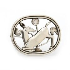 1649/1190 - Arno Malinowski: A brooch of sterling silver. Design no. 256. L. 4.5 cm. Georg Jensen after 1945.