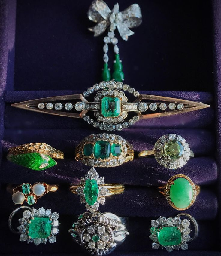 Greens, by request! Can you guess which one is in the 50% off sale? Comment or DM for pricing 💚#green #greens #greenandpurple #emerald #emeraldring #rings #ringlife #ringstack #ring #ringlover #ringaddiction #jewelry #jewelrybox #jewelrytrends #jewelryblog #jewelryblogger #blogger #blogging #demantoid #demantoidring #jade #jadering #emeraldearrings #earrings