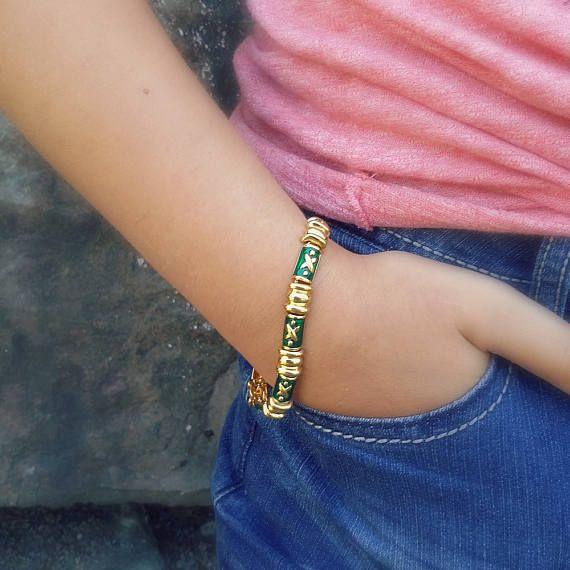 Green bracelet by Joan Rivers Holiday jewelry