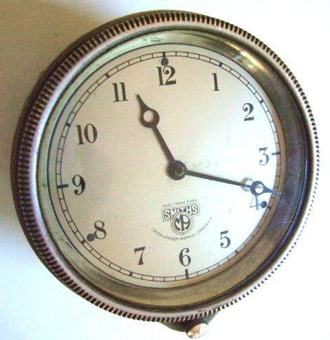 Smiths rim wind vintage car clock wwII