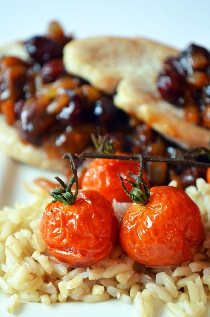 Taste me! Eat me!: Filet z indyka z żurawinowo-cebulowym sosem, ryżem...