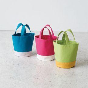 簡単に手作り!カラフルな丸底のバケツ型帆布トートバッグの作り方(バッグ)   ぬくもり