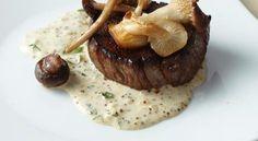 Filetes de carne con mostaza y setas silvestres  http://tusrecetas.net/recetas-con-carnes/filetes-carne-mostaza-setas-silvestres-cena-ano-nuevo.html