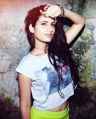 Sana fatima shaikh is making her debut as a lead actress in the much awaited movie Dangal
