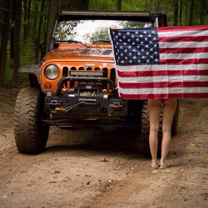 """jeepflow: """" Gotta love this setup. Shout out to @ylloh_2 for this great photo…"""