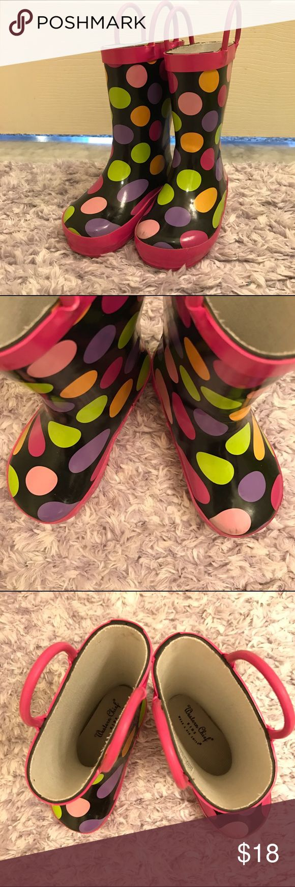 WESTERN CHIEF girls rain boots in size 7/8 WESTERN CHIEF girls rain boots in size 7/8. Show some minor signs of wear, but still in good condition. Western Chief Shoes Rain & Snow Boots