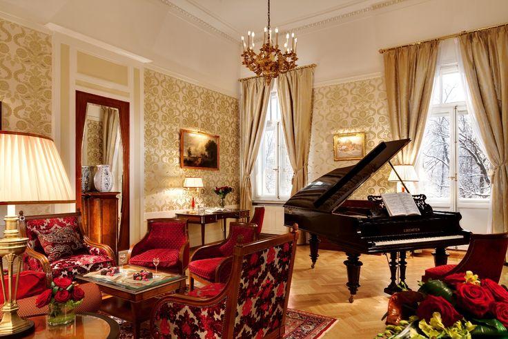 The Pavarotti Suite. Grand Hotel Europe.