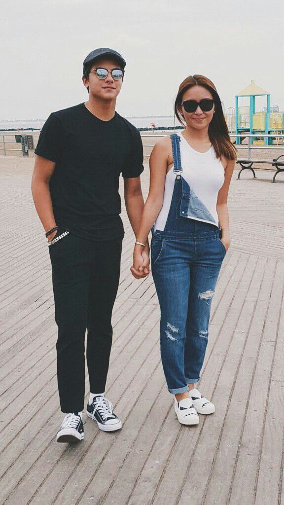 This is the handsome Daniel Padilla and the pretty Kathryn Bernardo holding hands together and smiling for the camera while having a good time with the ASAP Kapamilya at Coney Island in New York City last September 3, 2016. Indeed, KathNiel is my favourite Kapamilya love team. #KathrynBernardo #DanielPadilla #KathNiel #KathNielBernaDilla #BarcelonaALoveUntold #ASAPLiveinNewYork