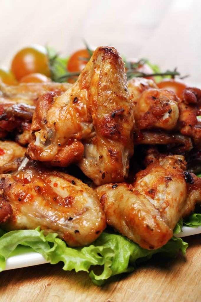 Chicken Wings & Blue Cheese Dip (Hühnerflügel)