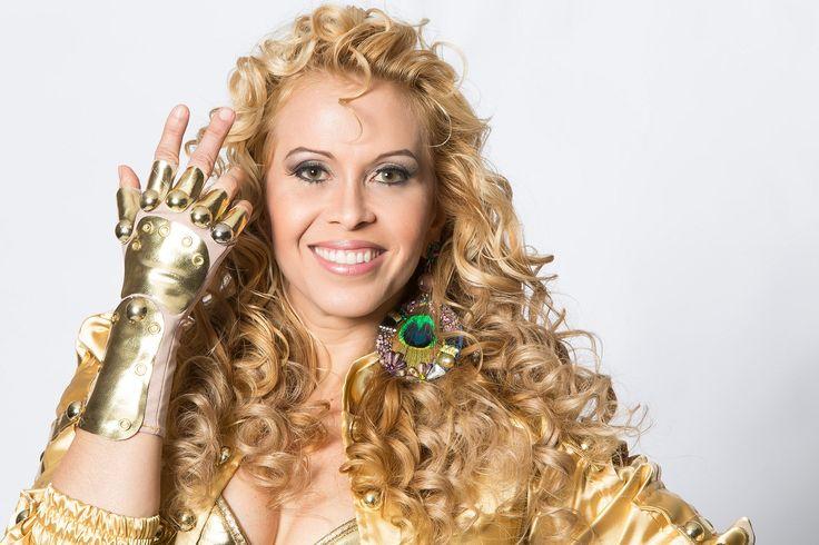 Joelma compara gays a drogados e diz ser contra casamento homossexual - http://colunas.revistaepoca.globo.com/brunoastuto/2013/03/30/joelma-compara-gays-a-drogados-e-diz-ser-contra-casamento-homossexual/ (Foto: Reprodução)