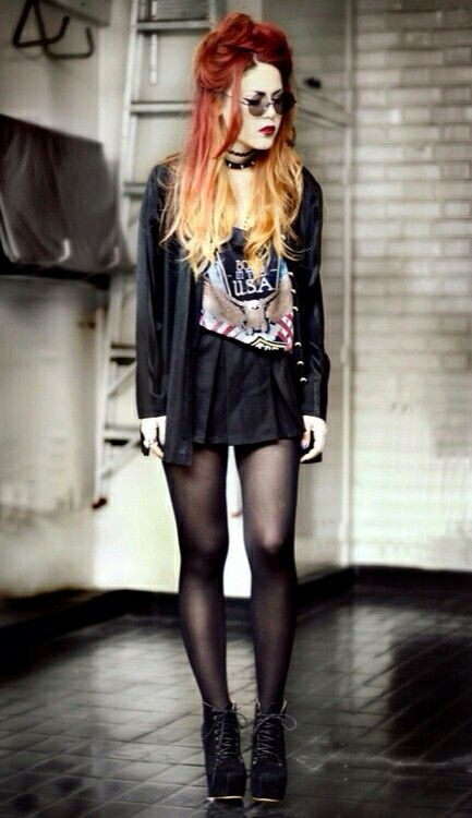 I love everything about this outfit. Grunge galore