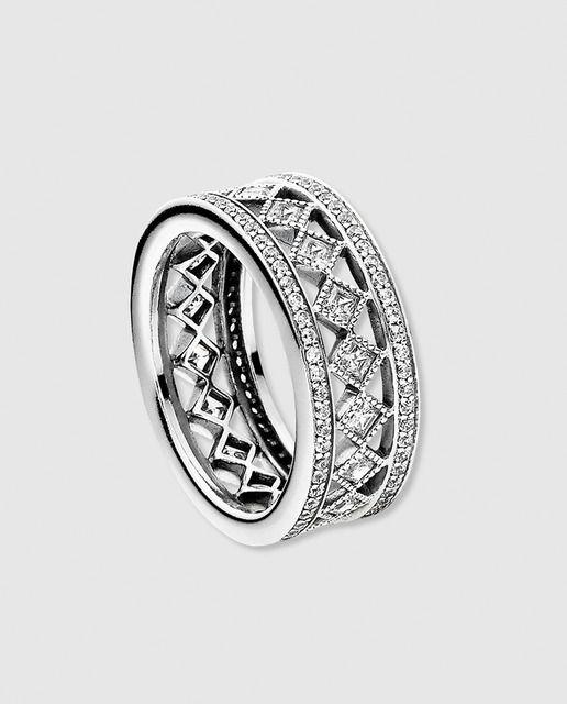 abbf627c5b89 Anillo en plata y circonitas Pandora en 2019