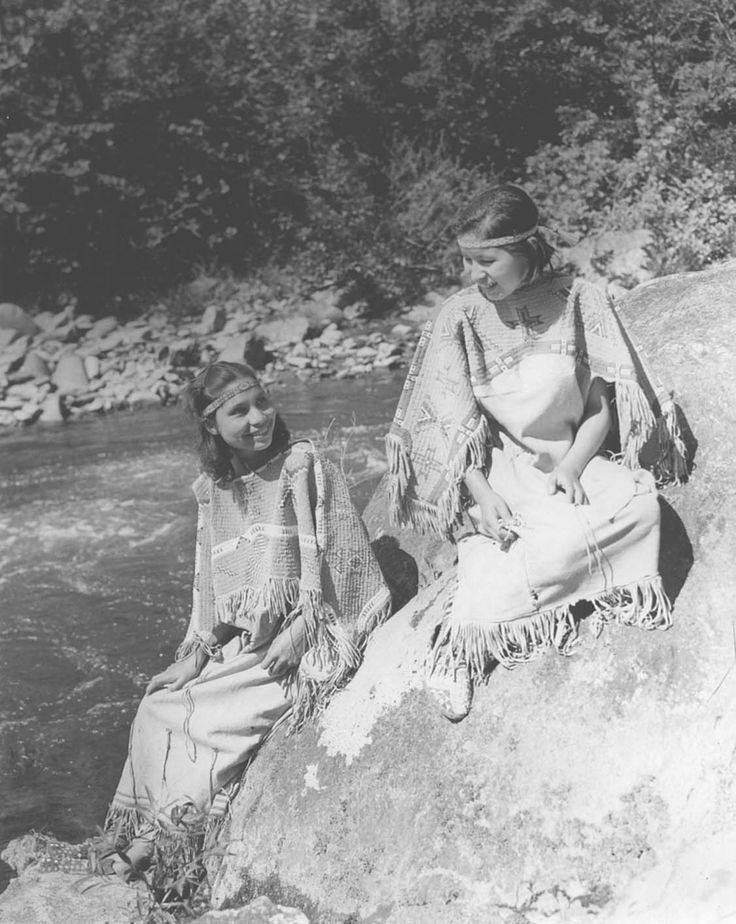 """Cherokee Indian Archive images   14636 Two Cherokee Indian """"princesses"""" in traditional costume. Great ..."""