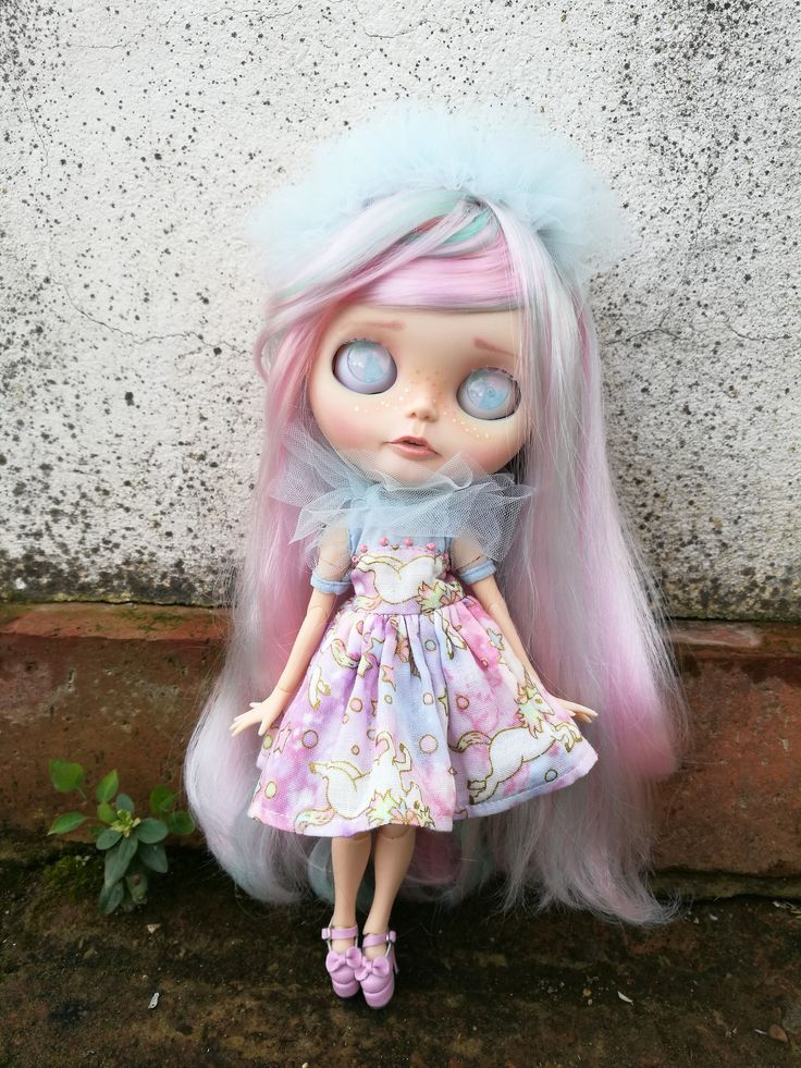 Mika. Custom Eve´s dream shop. more in facebook www.facebook.com/... #Blythe #blythedoll #customblythe #fantasyhair #evesdreamshop #unicorn #pastel