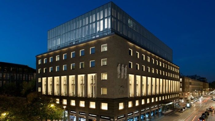 The Armani Hotel in Milano - showcasing the very latest in Italian design from global fashion brand leader Armani - picture 02