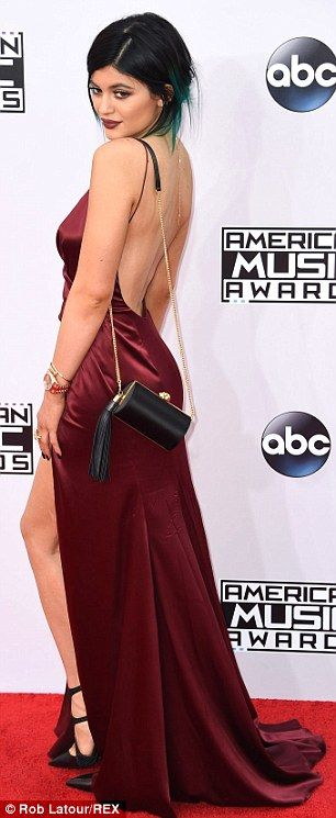 Kendall, Kylie and Khloe make an impact on the AMA red carpet #dailymail