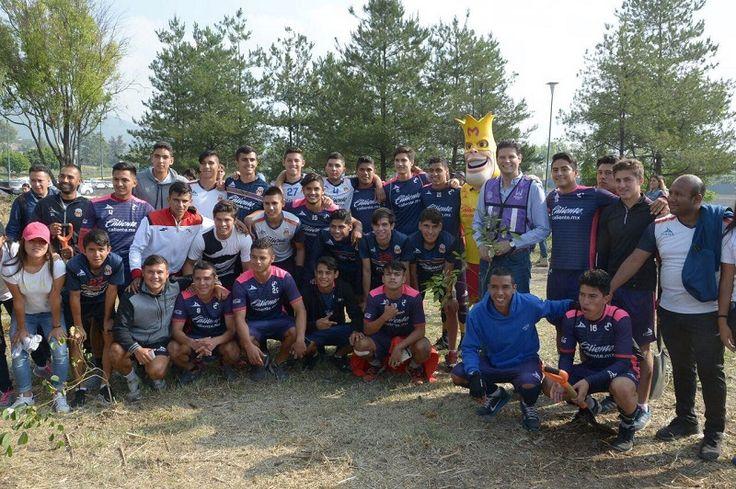 Enesta ocasión el Club de Futbol Monarcas Morelia se sumó a esta noble campaña, con la reforestación de mil árboles en las inmediaciones del Estadio Morelos – Morelia, Michoacán, 23 ...