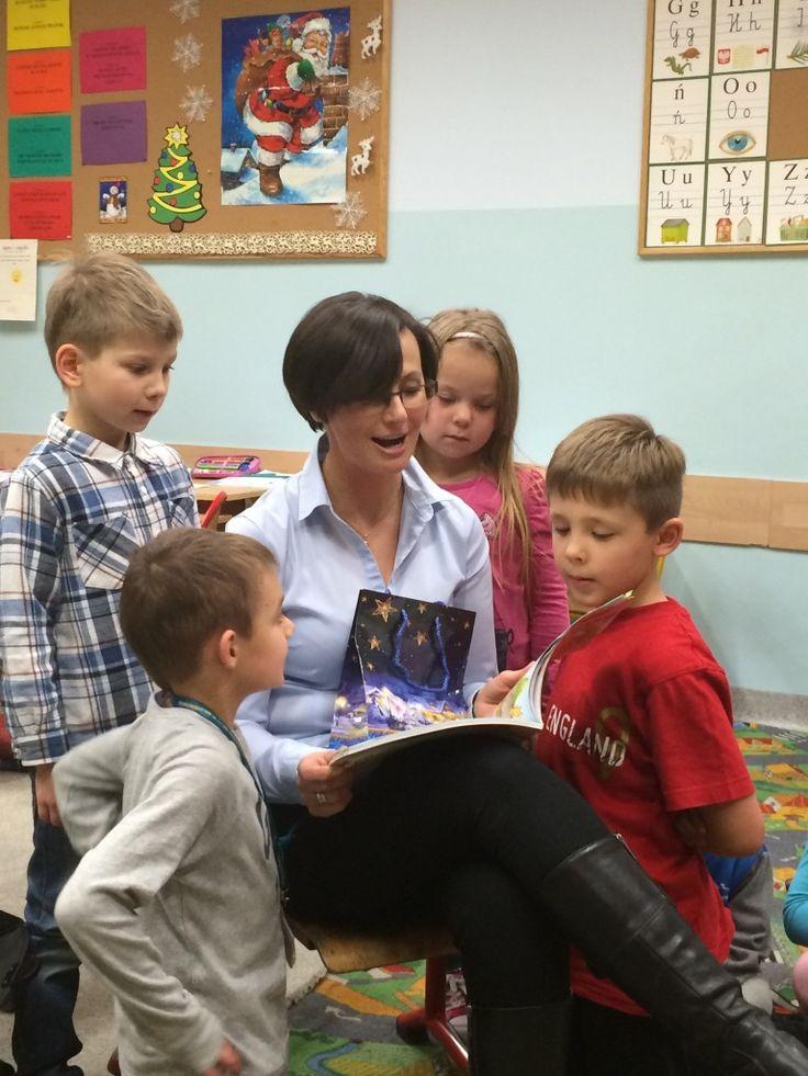 Cudaki także aktywnie włączyły się do akcji Tygodnia Czytania.  Dzień rozpoczęliśmy od czytania wierszy. My również zaprosiliśmy do czytania rodziców. Dzisiaj towarzyszyła nam pani Sieńko – mama Jakuba. Cóż to była za niespodzianka:)