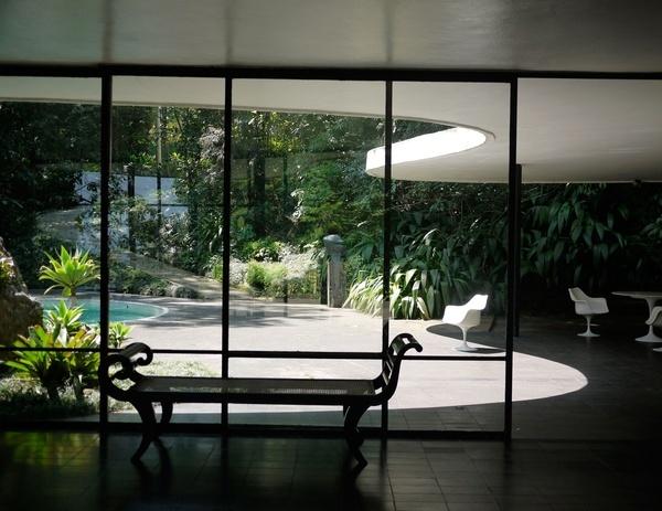 Casa das Canoas by Oscar Niemeyer, Rio de Janeiro, 1951/53 breathing-room-external-interiors