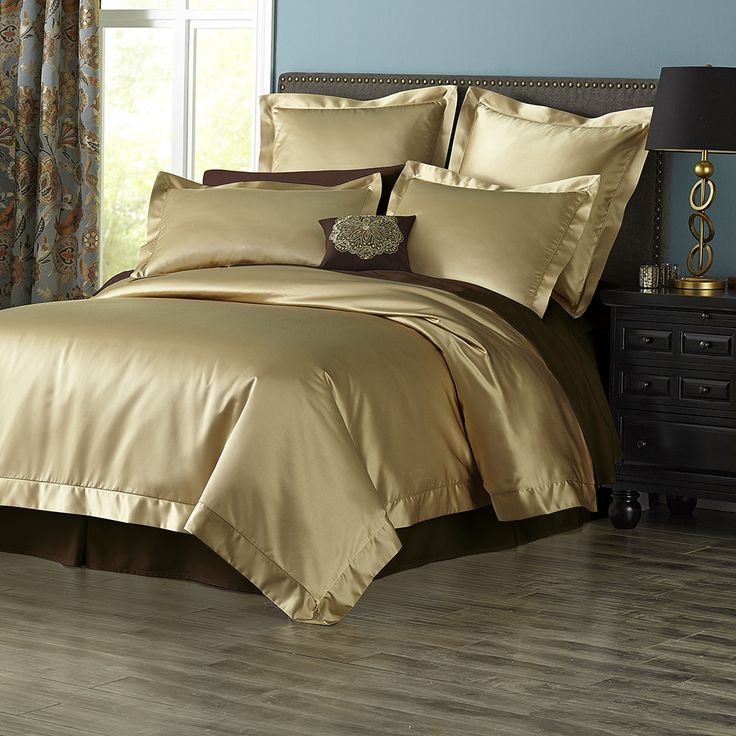 From the rich golden sheen to the luxurious feel of poly satin georgette bedding makes you feel special