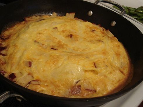 Apple-Cheddar-Bacon Frittata. Would be a good breakfast-y item in ...
