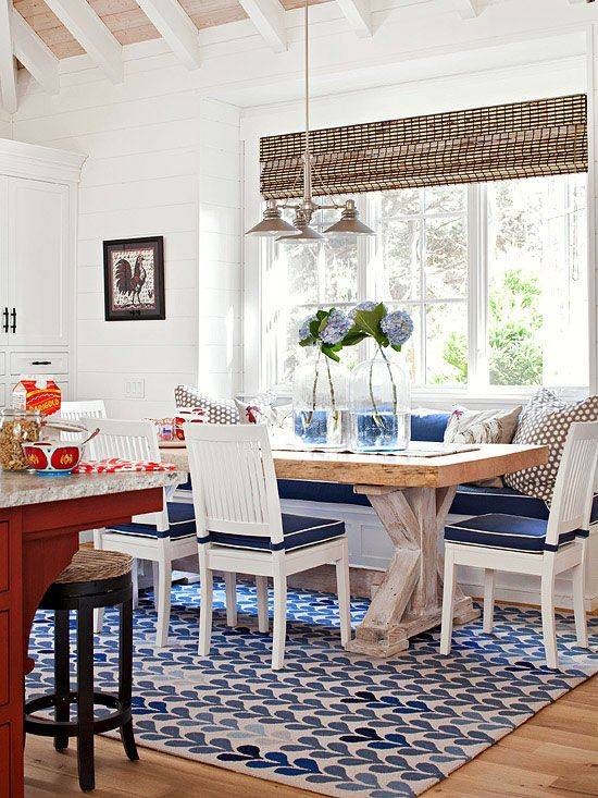 Love the bold colors paired with natural finishes. Beautiful dining space!