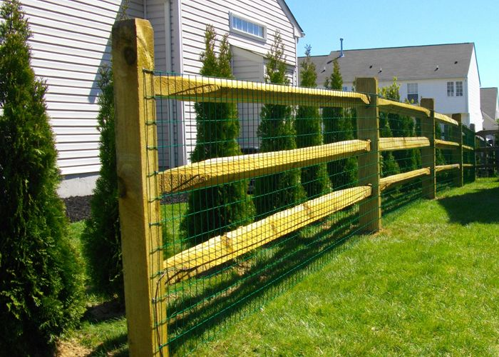 Search premium class #fence  #contractors near me for best #construction work. Read more: http://www.grconstructionusa.com/fence/