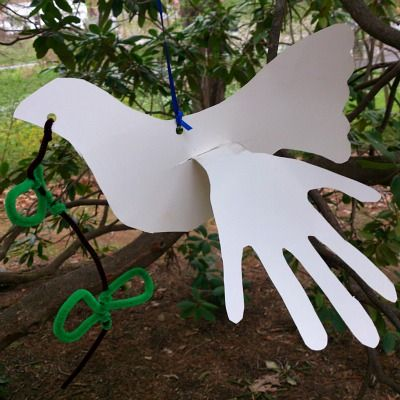 Finally I found a site with actual FREE PRINTABLES FOR MLK DAY - also this is a Perfect Craft For Martin Luther King Day - Dove Craft With Child Hand Prints For Wings