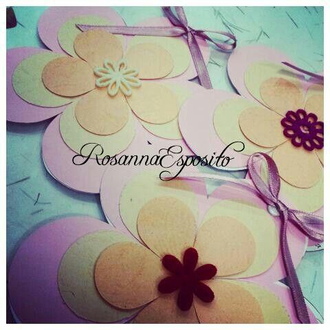 Partecipazioni floreali....la bellezza dei colori!!! #rosannadesigner #handmadecreations #partecipazionipersonalizzate #invitations