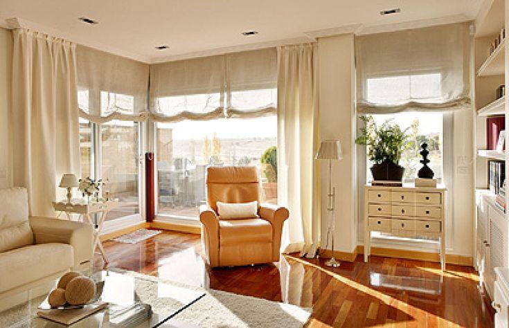 Estores y cortinas con caídas. Cómo poner estores, una barra y cortinas laterales | Decorar tu casa es facilisimo.com
