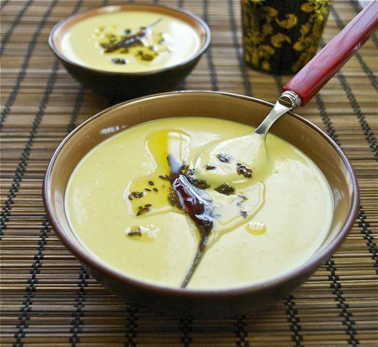 TH. Shorba, sopa india de yogur