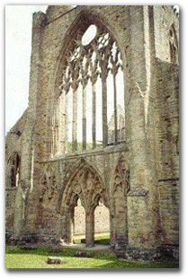 """""""Literary Locales: Over 1,350 picture links to places that figure in the lives and writings of famous authors."""" Shown: """"Wordsworth's Tintern Abbey""""-- Can be viewed chronologically or alphabetically (by author's surname)."""