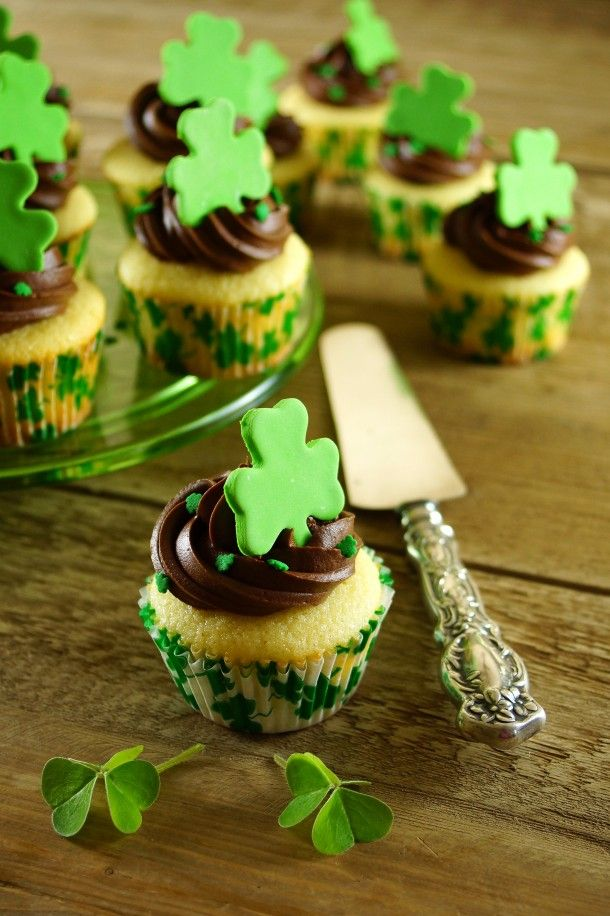 St. Patrick's Day Vanilla Cupcakes with Bittersweet Chocolate Frosting. Delicious!
