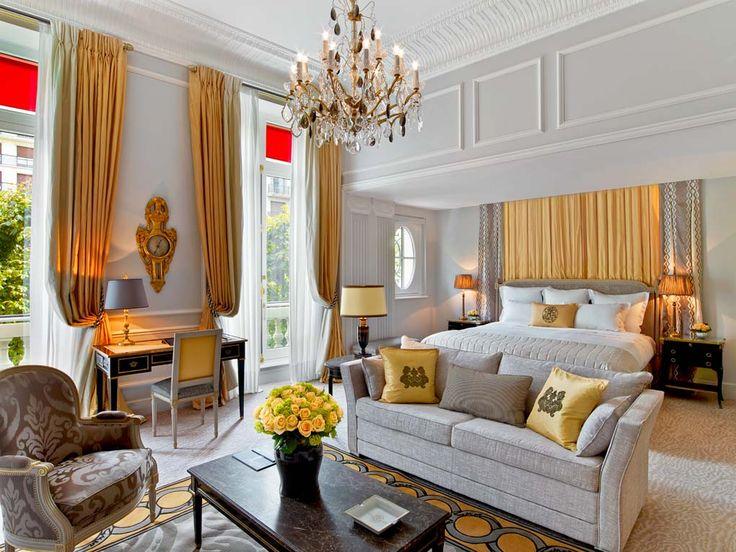 Junior suite Prestige -  Plaza Athénée Paris Hotel | Hotel Interior Designs http://hotelinteriordesigns.eu/plaza-athenee-hotel-amazing-reopening/ #best #luxury #hotel #interior #design